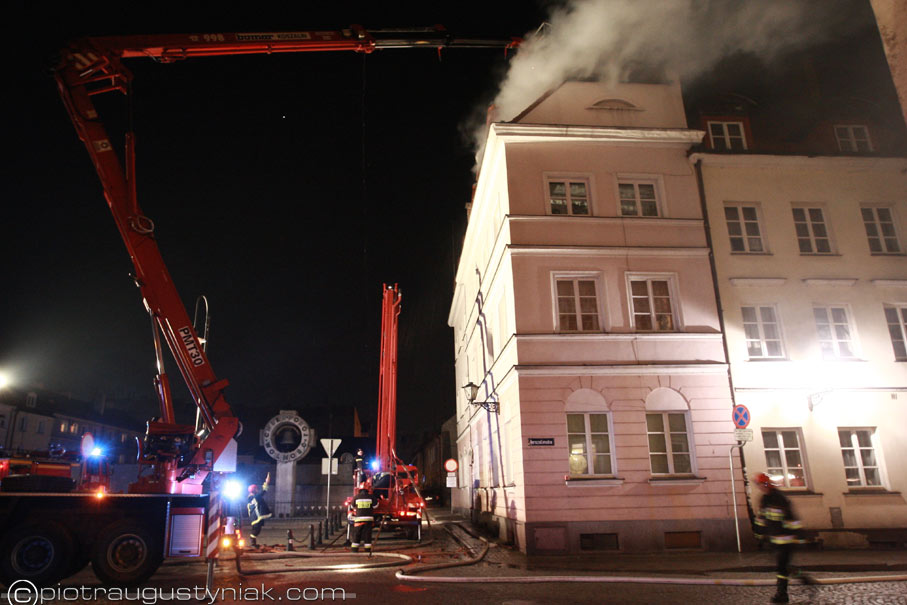 ulica jerozolimska pożar kamienicy fotograf płock piotr augustyniak zdjęcia