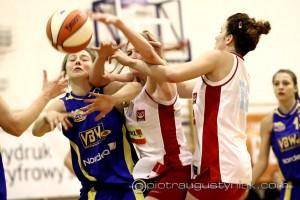 Koszykówka Mon-Pol Płock – Gold Wings Gdynia 74-66