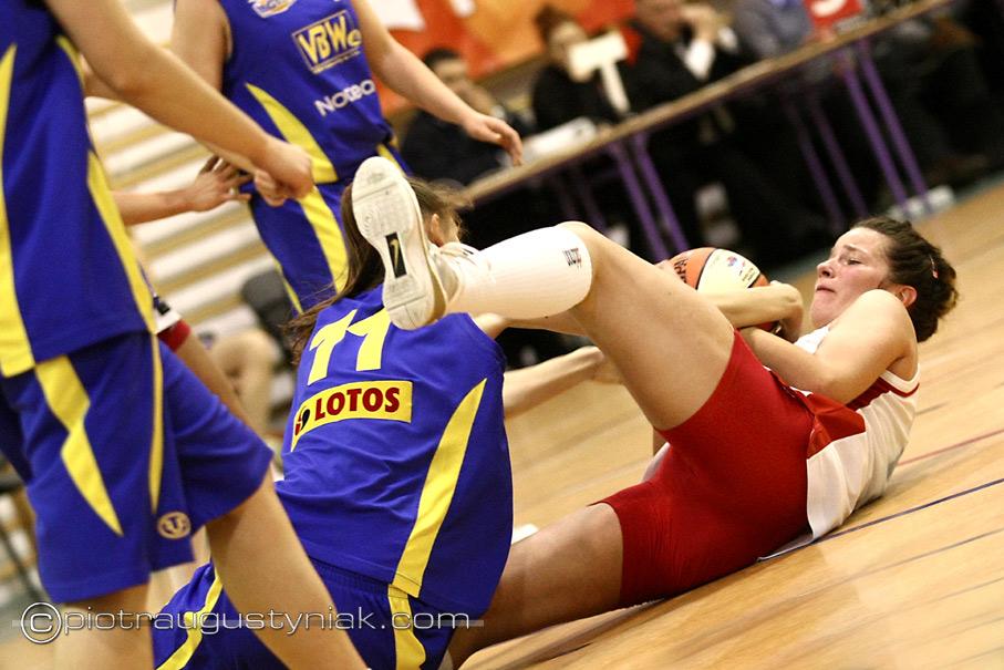 Piotr Augustyniak mon pol płock gold wings gdynia zdjęcia koszykówka koszykarki fotoreportaż