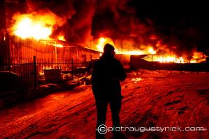 Pożar hali produkcyjnej na Kostrogaju