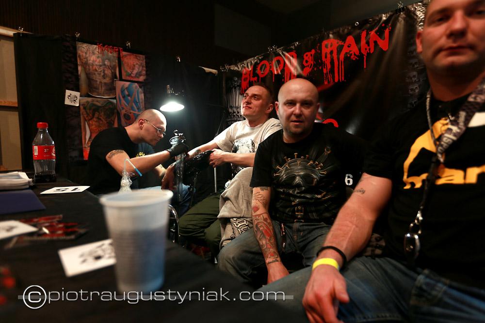 Tattoo festiwal Łódź. Zdjęcia  festiwal tatuażu w łodzi. Fotograf . Reportaż. Fotoreportaż , klub dekompresja